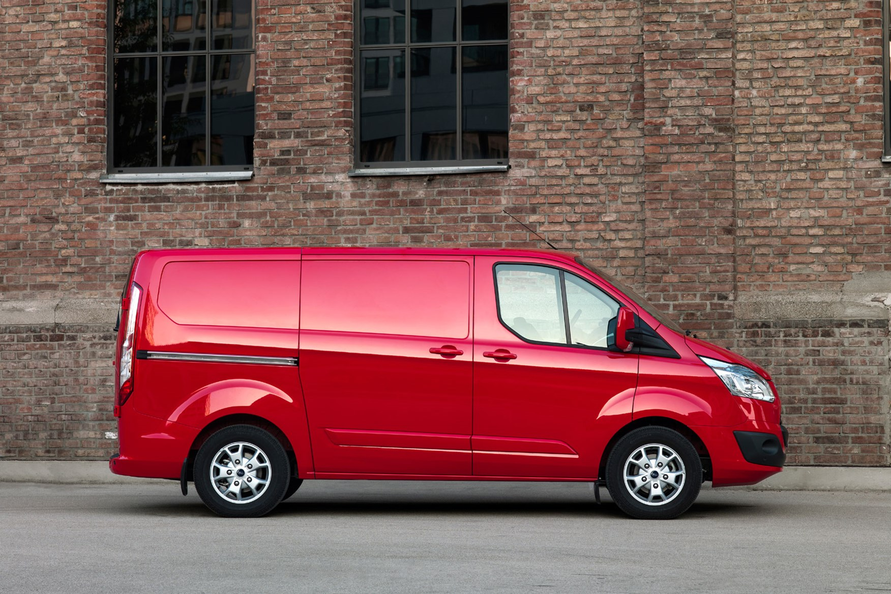 964aa12fb1 Ford Transit Custom dimensions - 2012 pre-facelift L1 side view