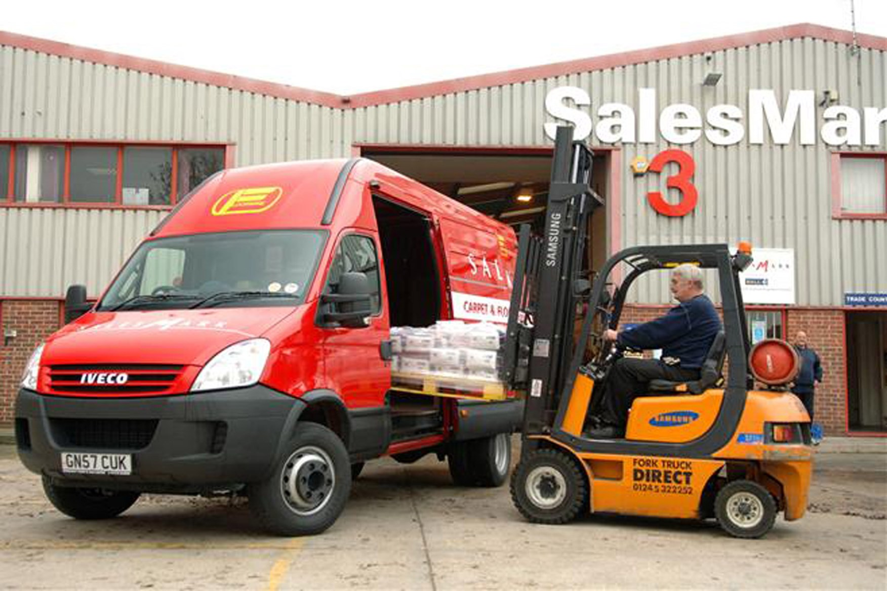 Iveco Daily 2006-2009 review on Parkers Vans - load area dimensions