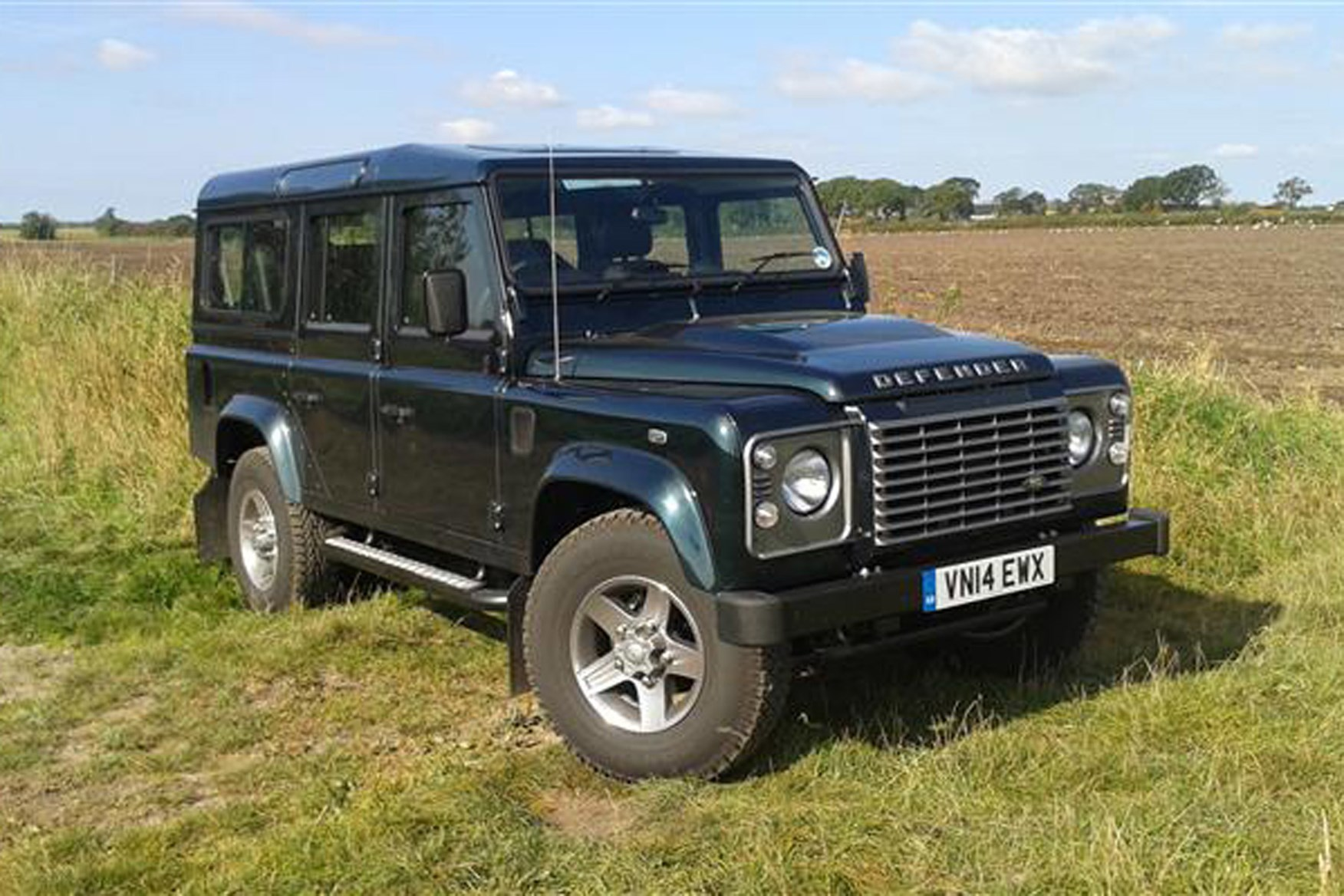 Land Rover Defender review on Parkers Vans - 110 double cab exterior