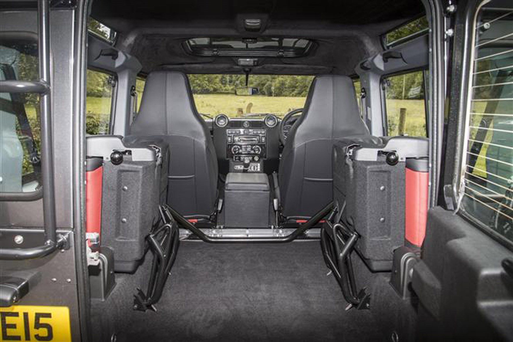 Land Rover Defender 2007-2016 review on Parkers Vans - load area dimensions