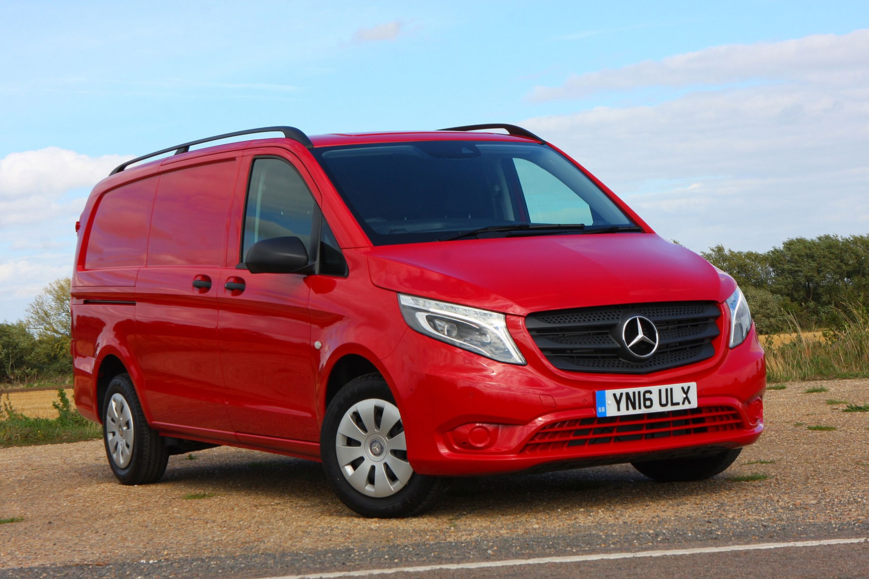 Mercedes-Benz Vito 111CDi Long review - front view, red
