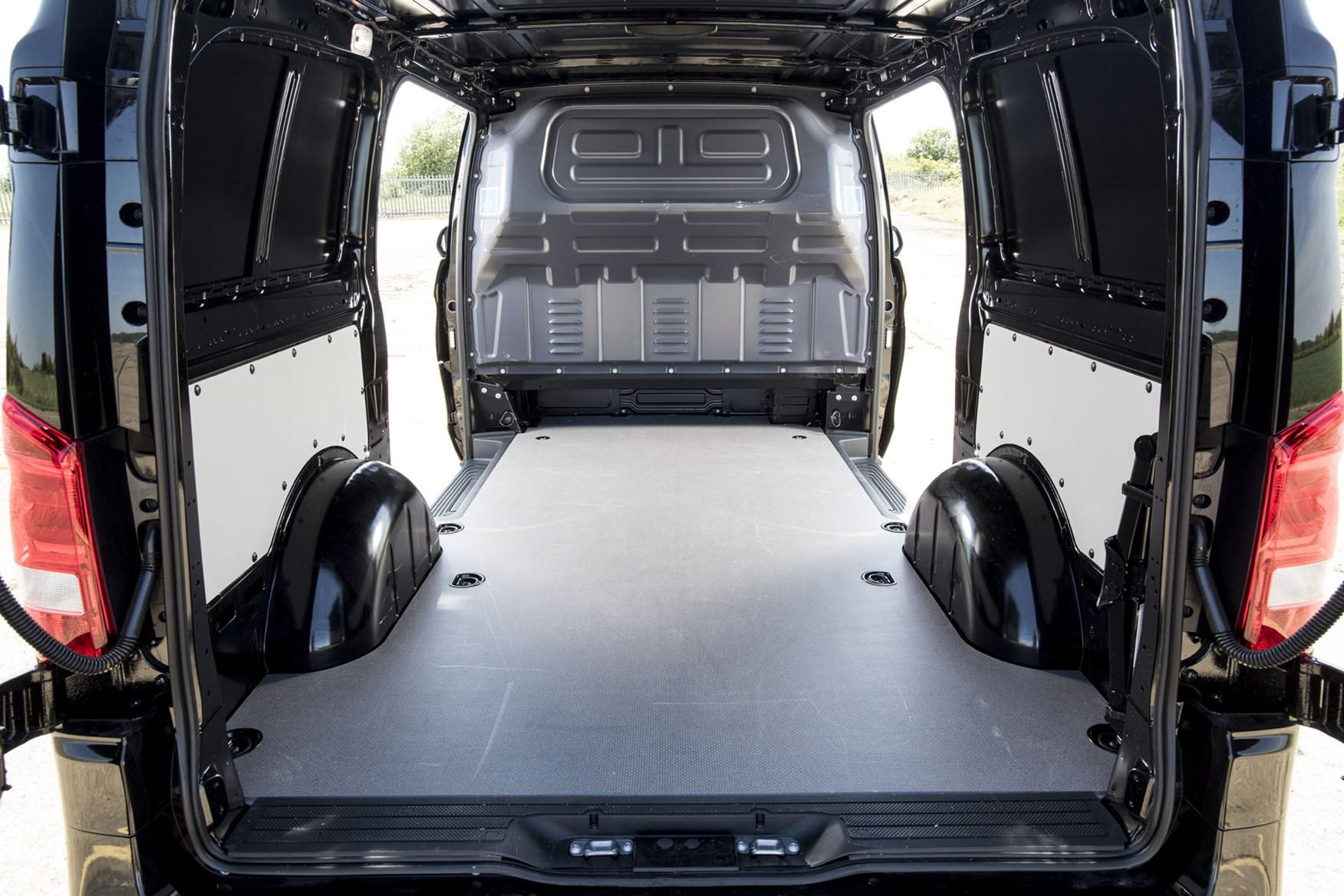 Mercedes Vito Premium review - load area