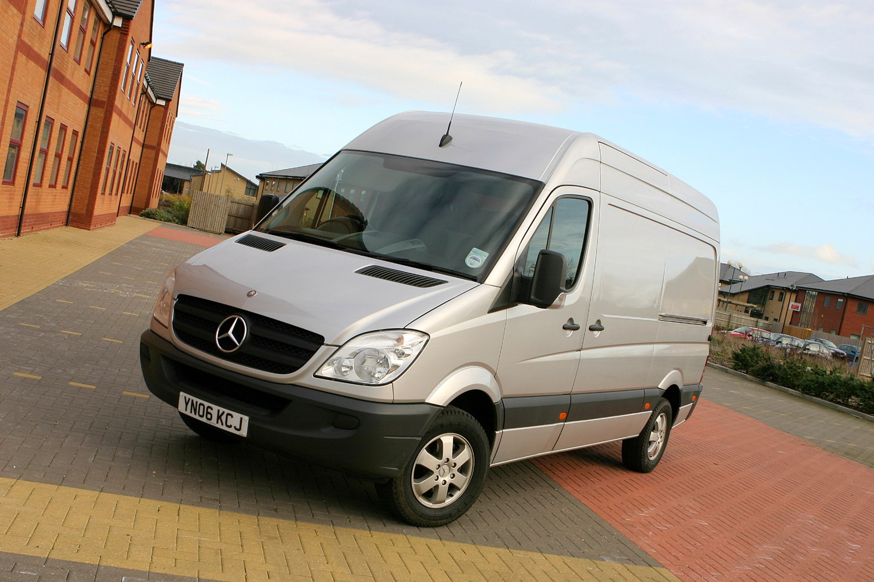 6046e4e3e4d6 Mercedes-Benz Sprinter 2006-2013 review on Parkers Vans - front exterior