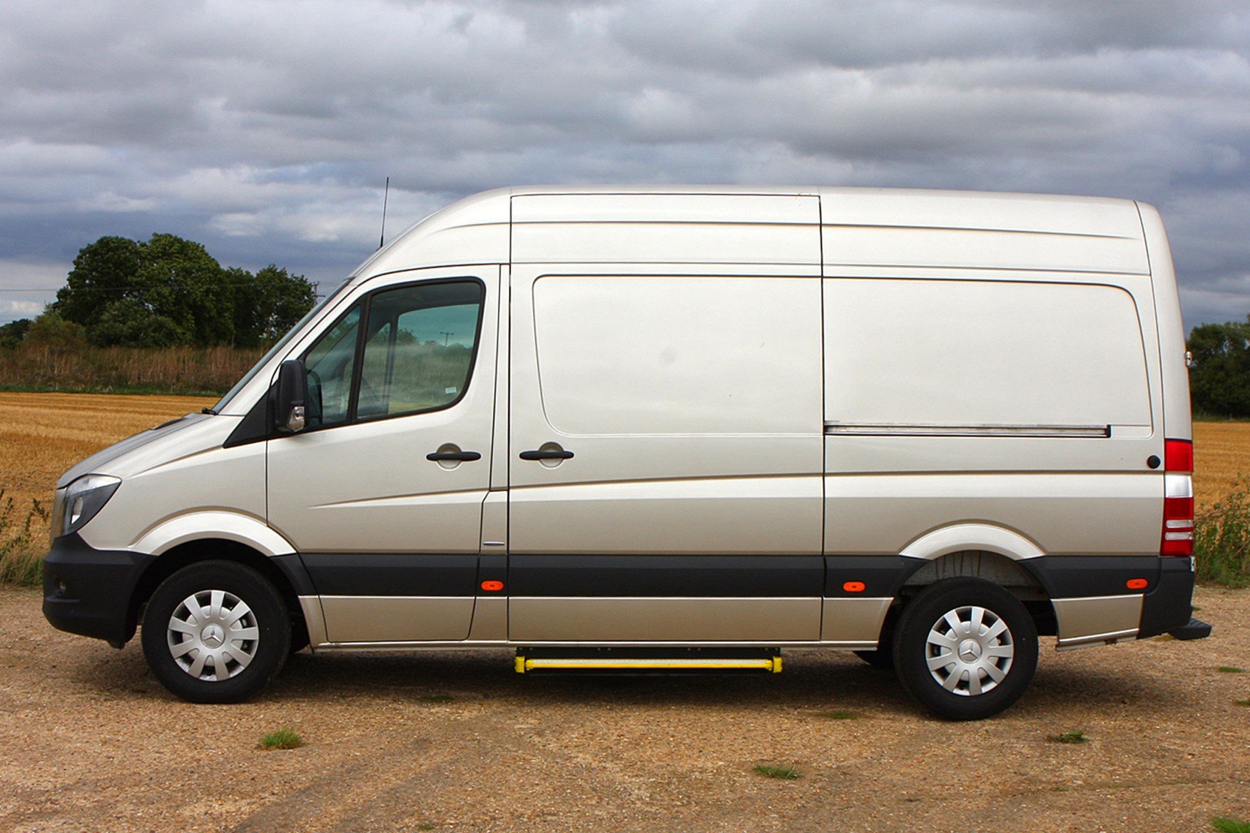 Mercedes-Benz Sprinter full review on Parkers Vans - side exterior