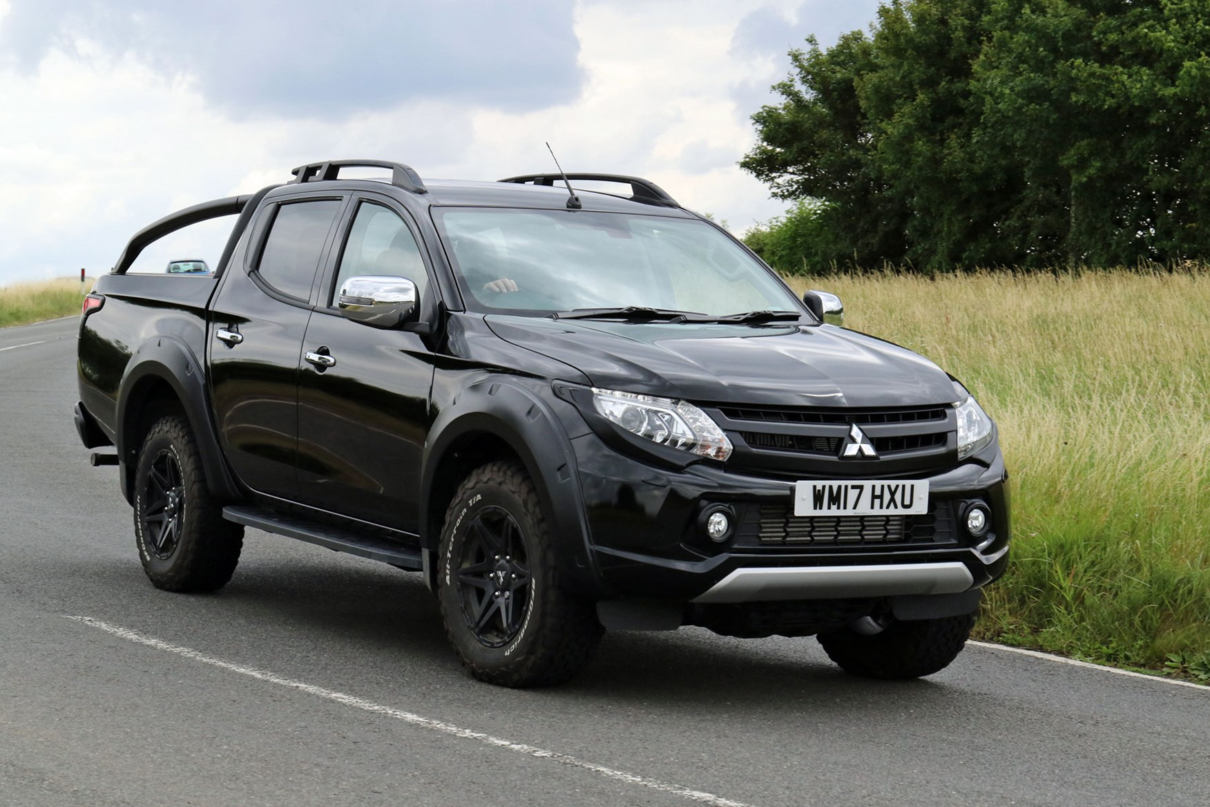 Mitsubishi L200 review, black Barbarian SVP, driving, front view