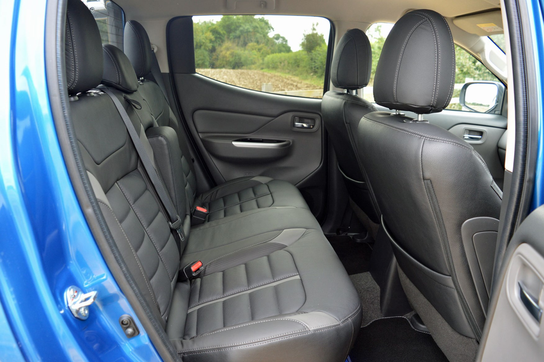 Mitsubishi L200 review, rear seats