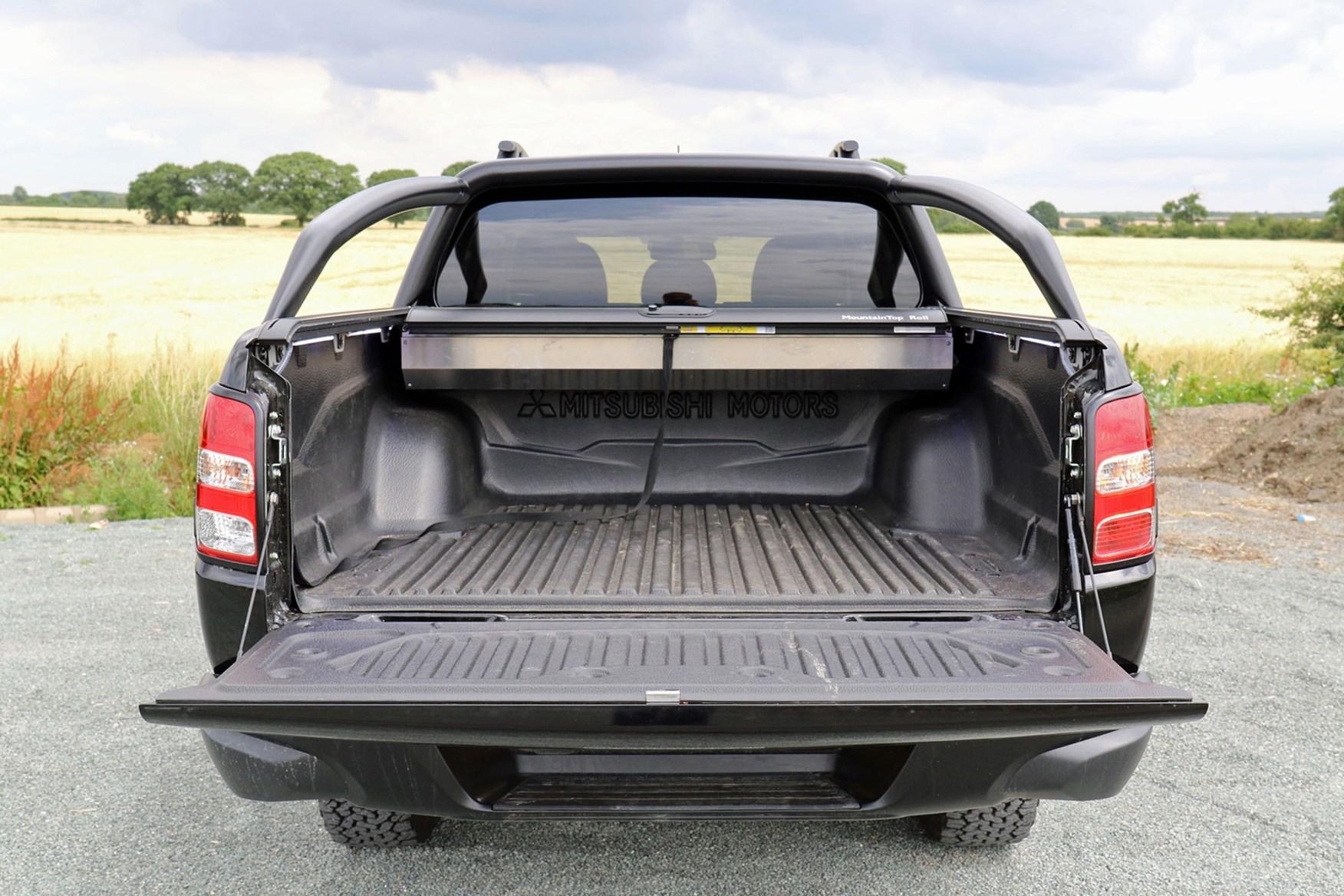 Mitsubishi L200 review, load bed area dimensions