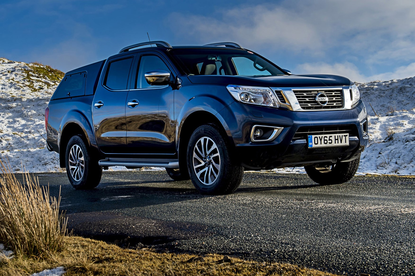 Nissan Navara review - front view, blue with hardtop