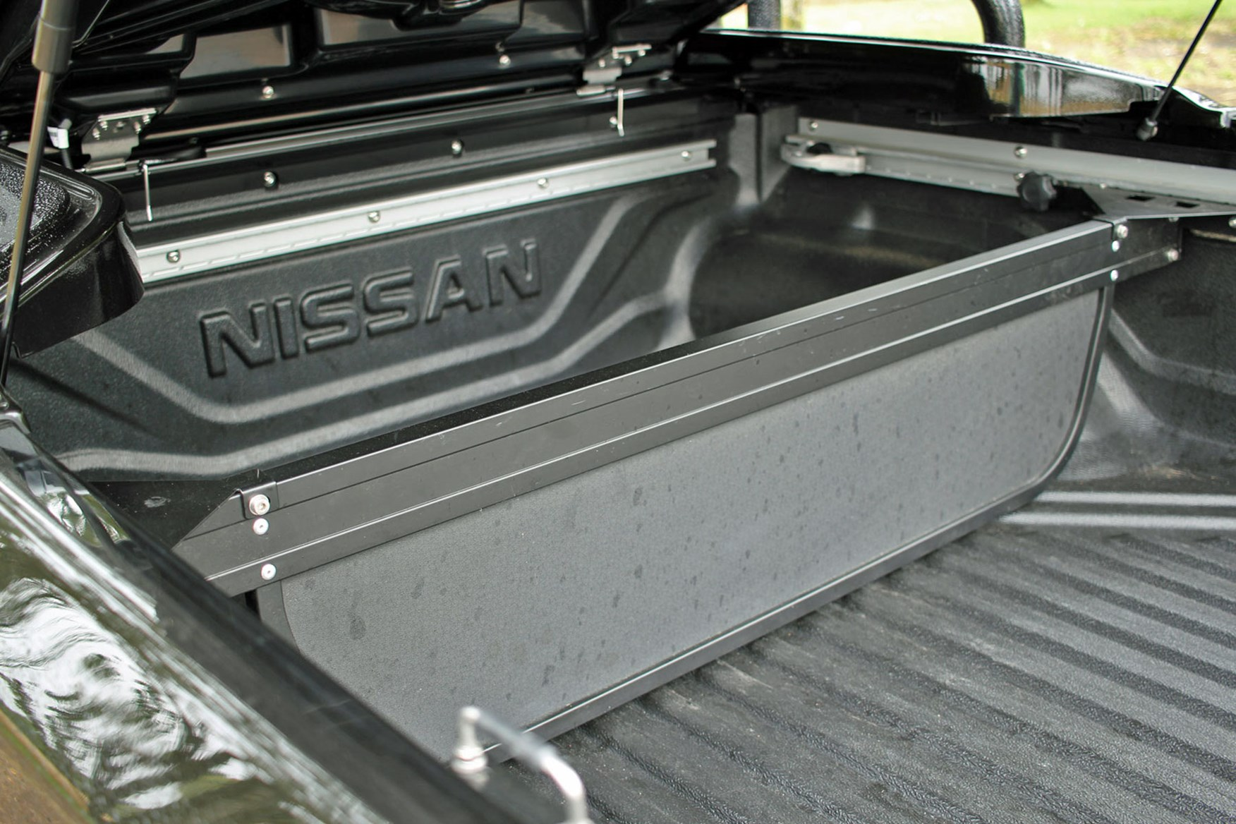 Nissan Navara Trek-1 review - load area with divider and liner