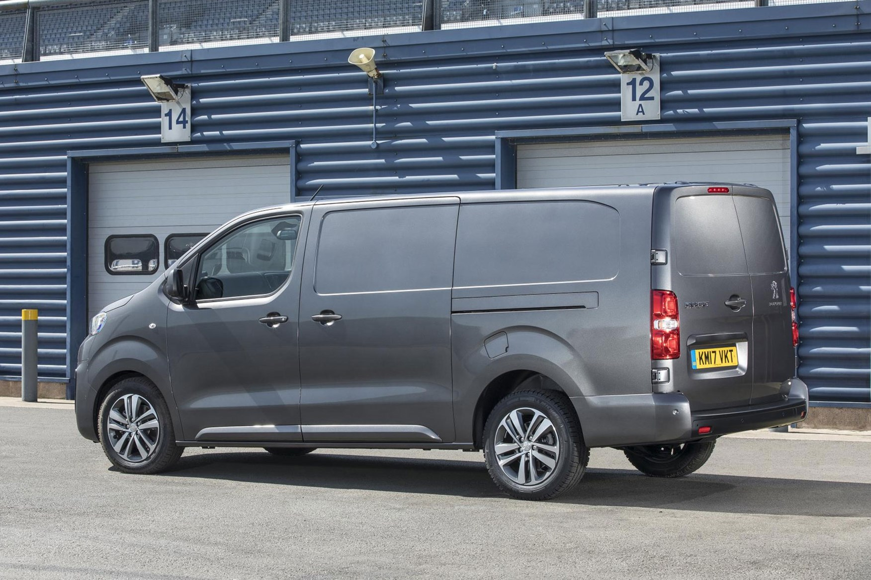 Peugeot Expert review - rear view, grey