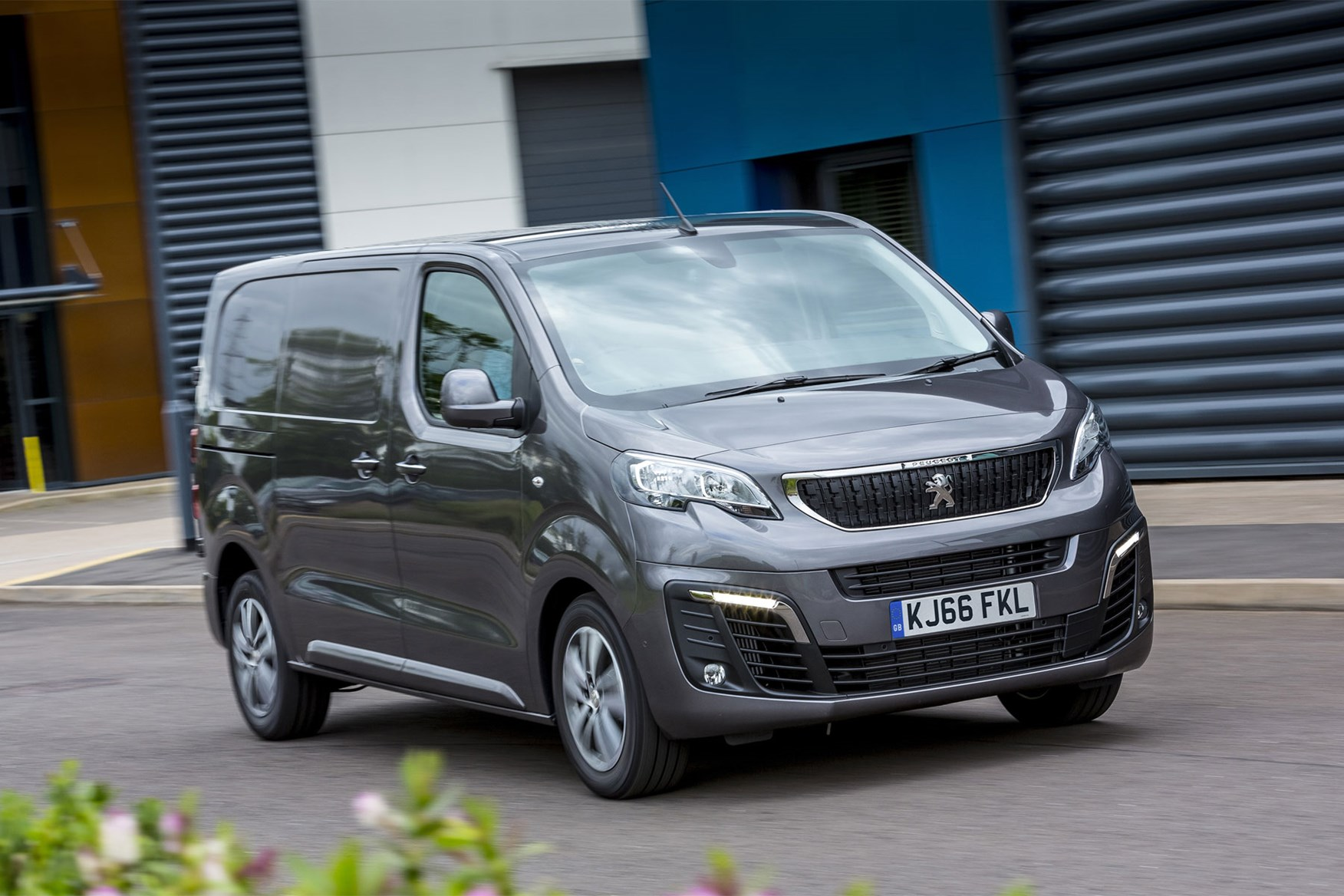 Peugeot Expert review - front view, grey, driving
