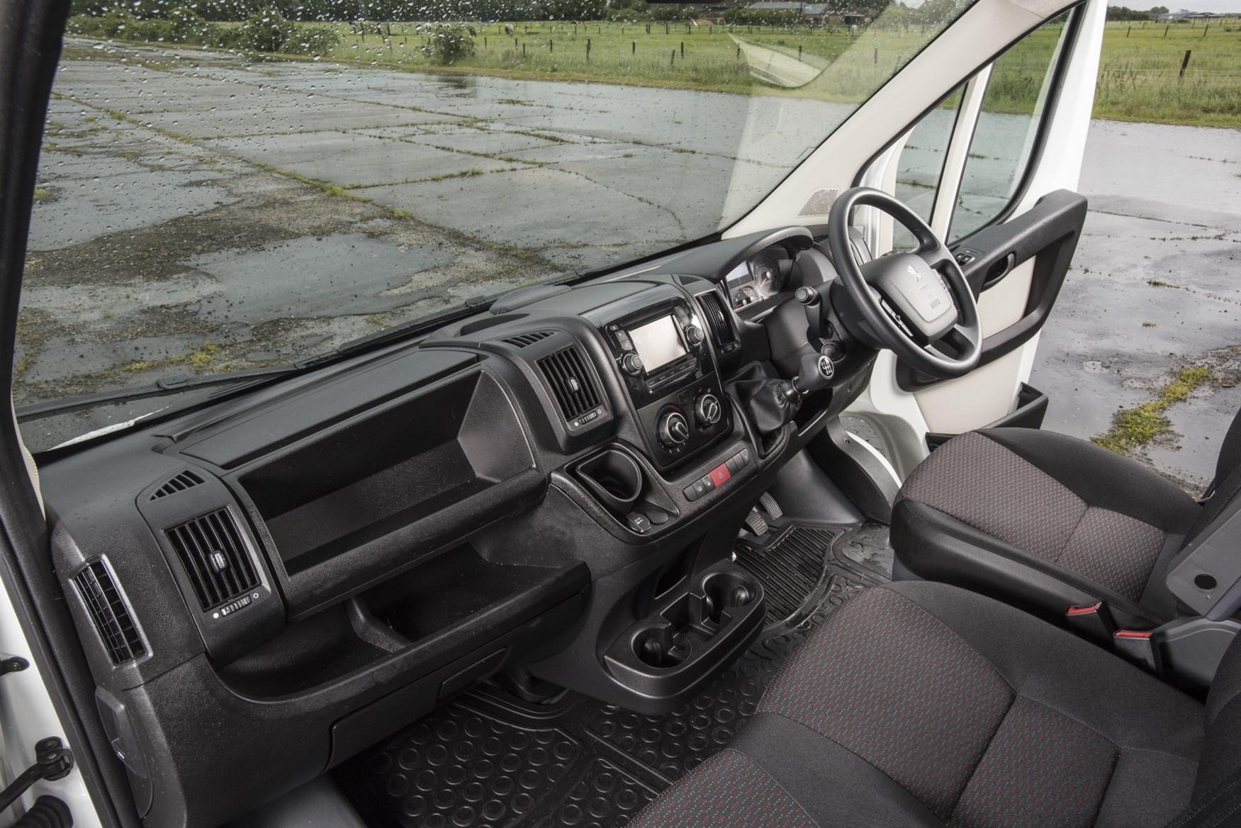 2019 Peugeot Boxer interior