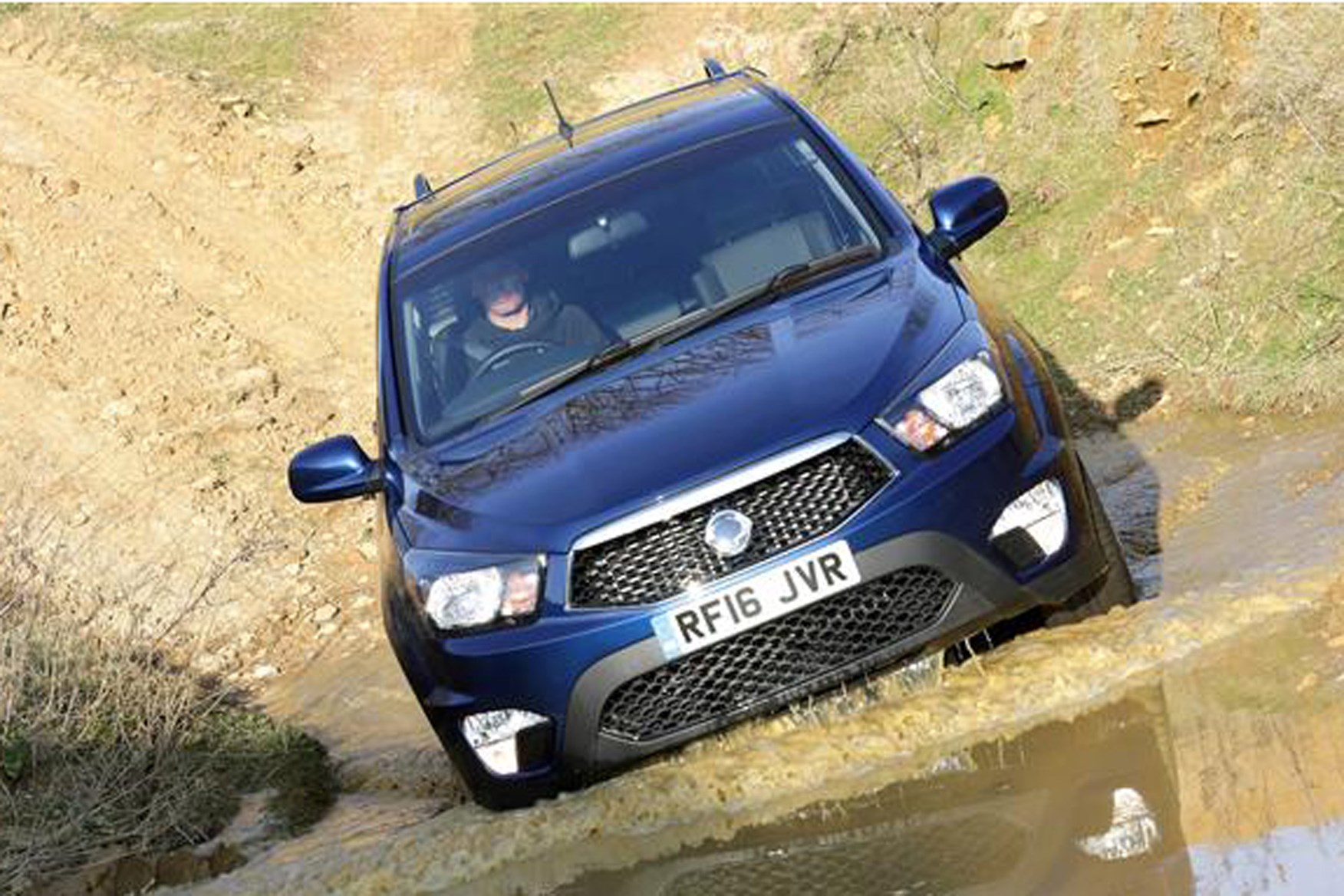 SsangYong Korando Sports review on Parkers Vans - front