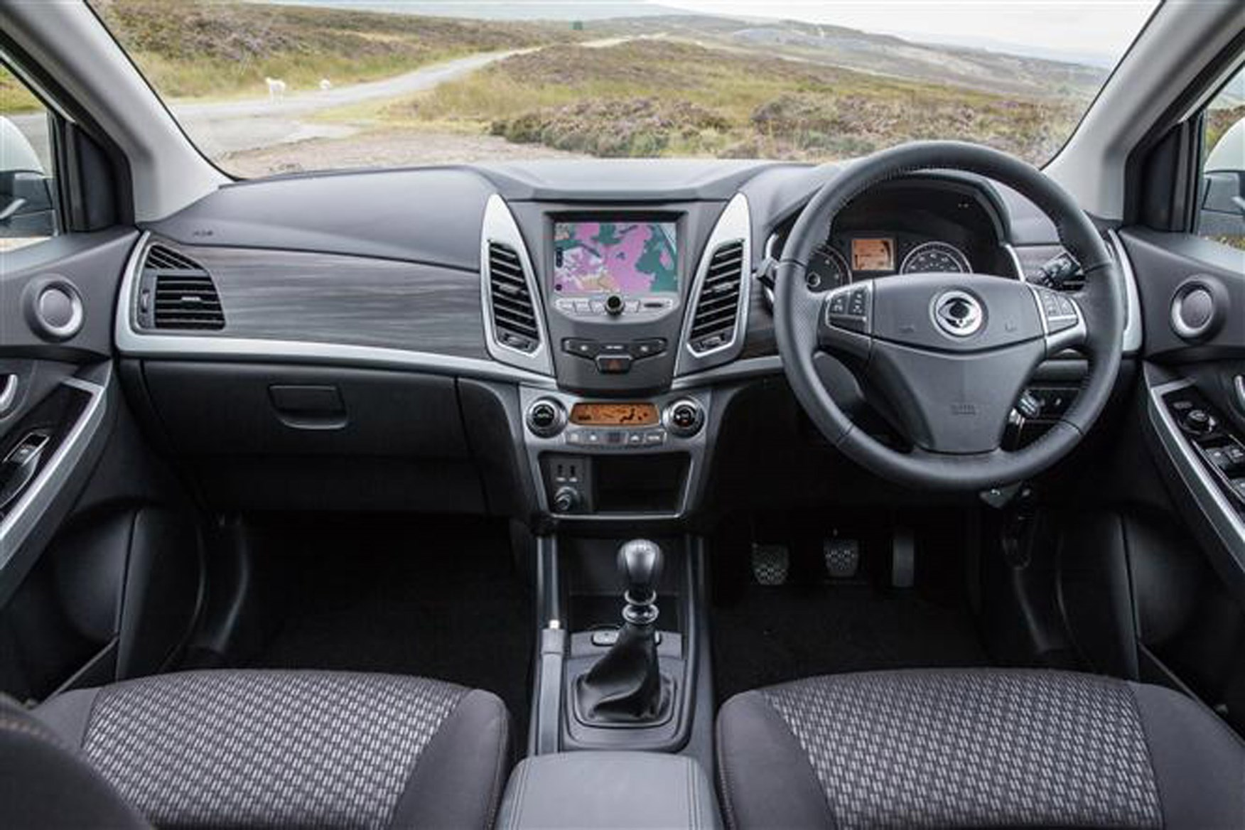 Ssangyong Korando review on Parkers Vans - interior