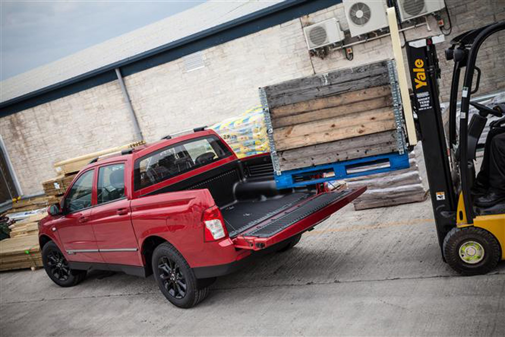 SsangYong Musso full review on Parkers Vans - payload capability