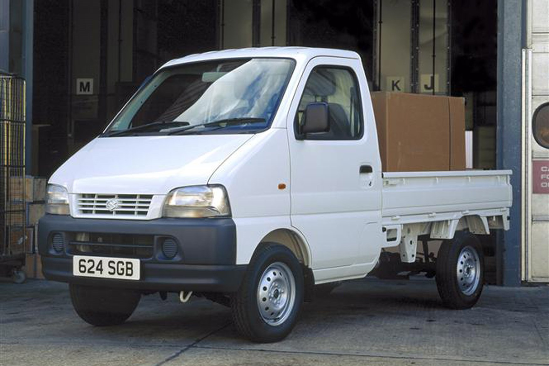 Suzuki Carry review on Parkers Vans - pickup version