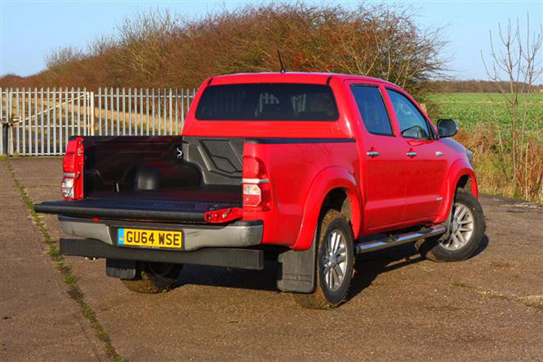 Toyota Hilux review on Parkers Vans - load area access