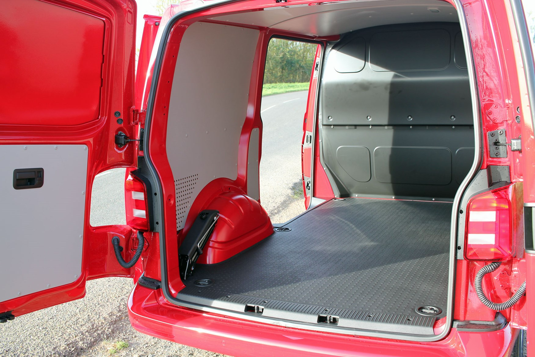 VW Transporter T6 TSI 150 review - load area, payload