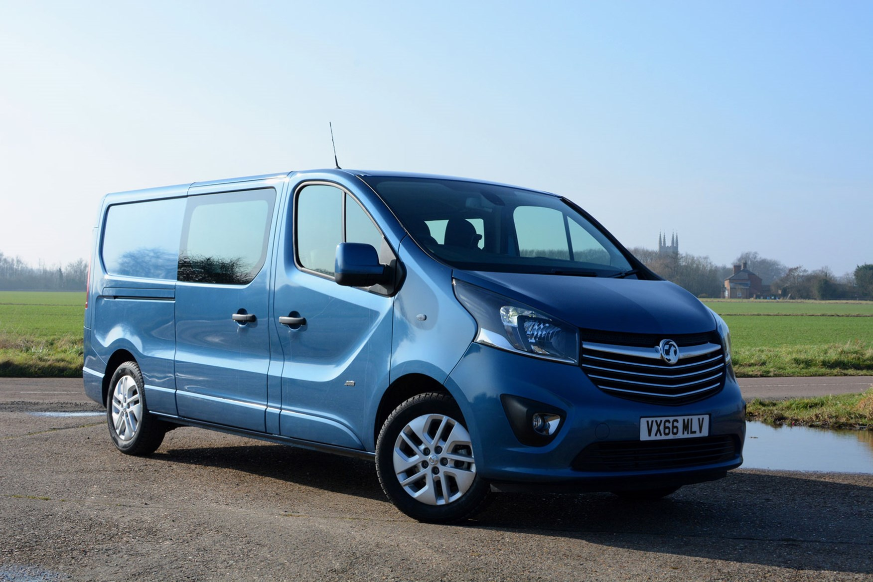 Vauxhall Vivaro Doublecab Sportive review - front view, blue