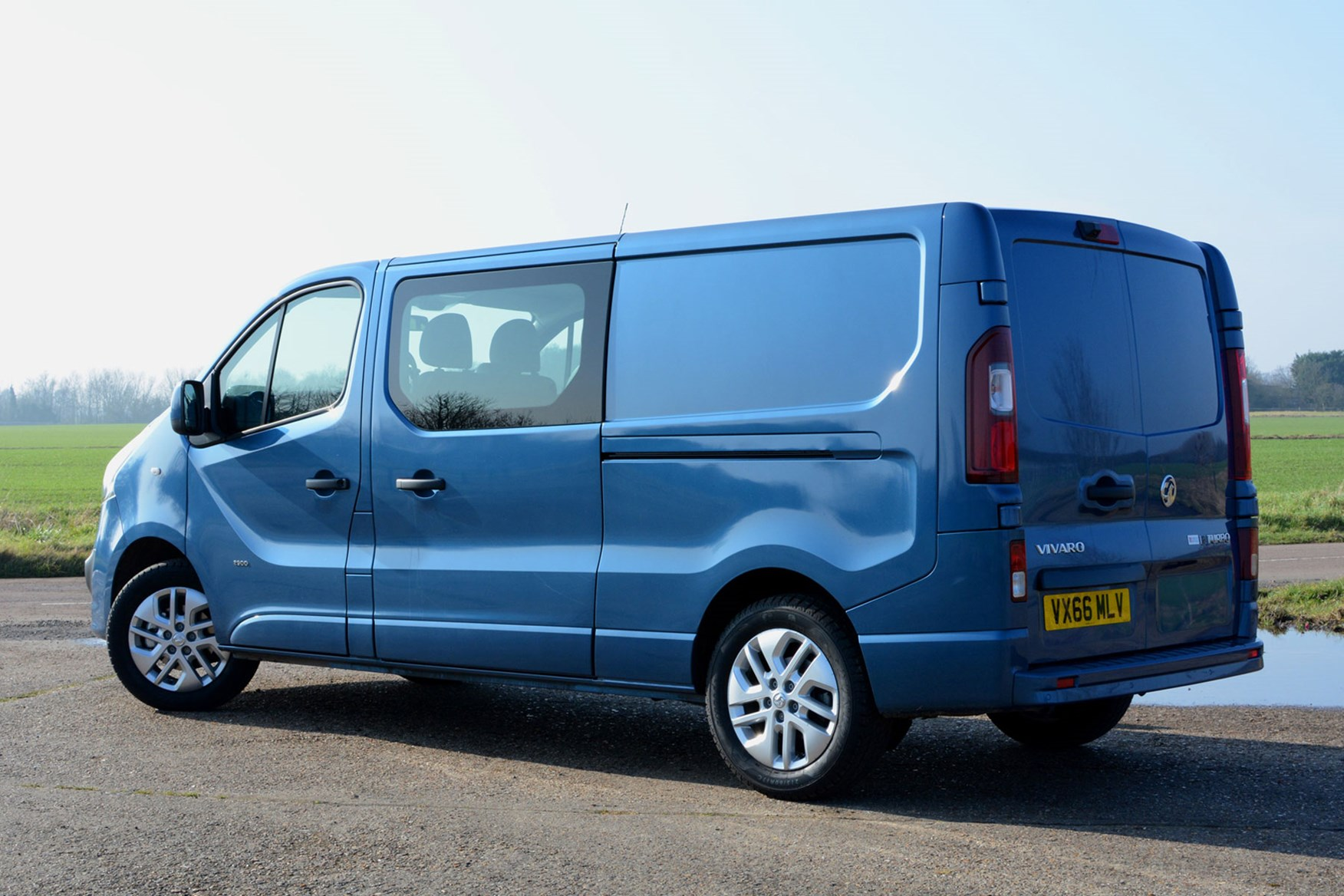 Vauxhall Vivaro Doublecab Sportive review - rear view, blue