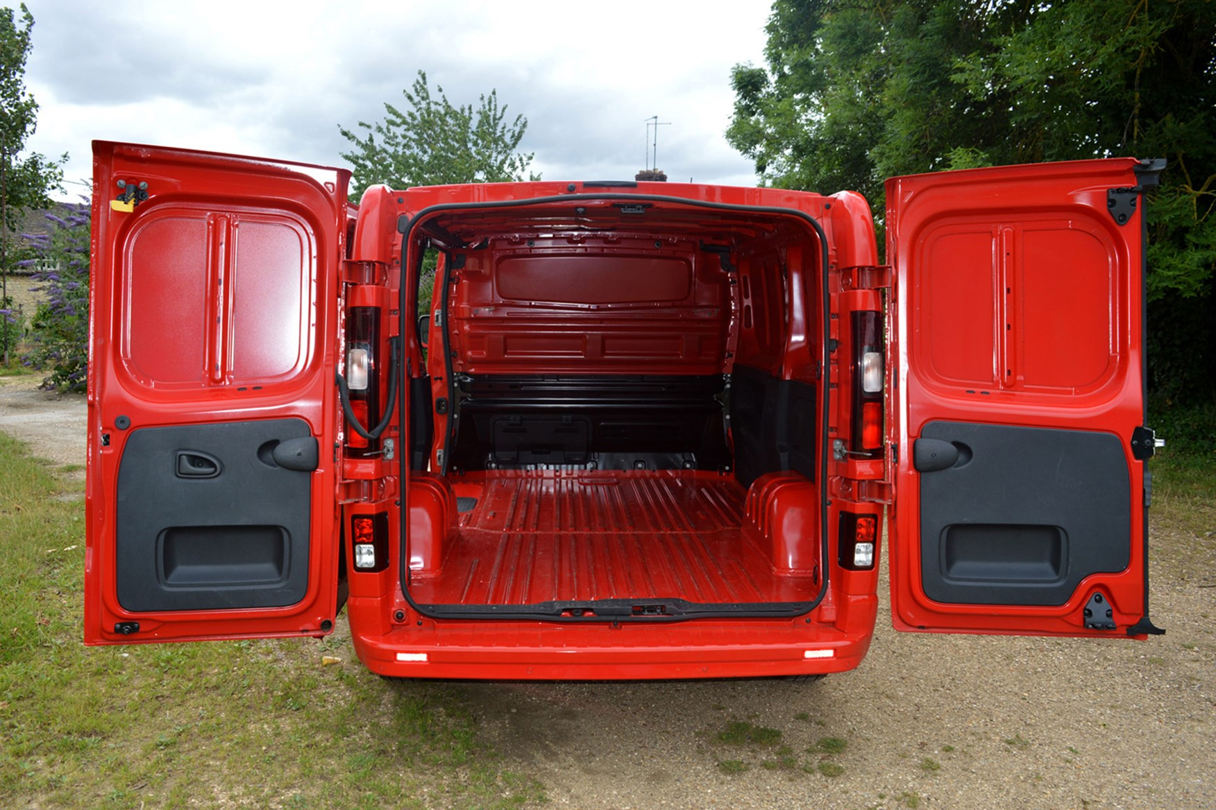 Vauxhall Vivaro Sportive EU5 review - load area