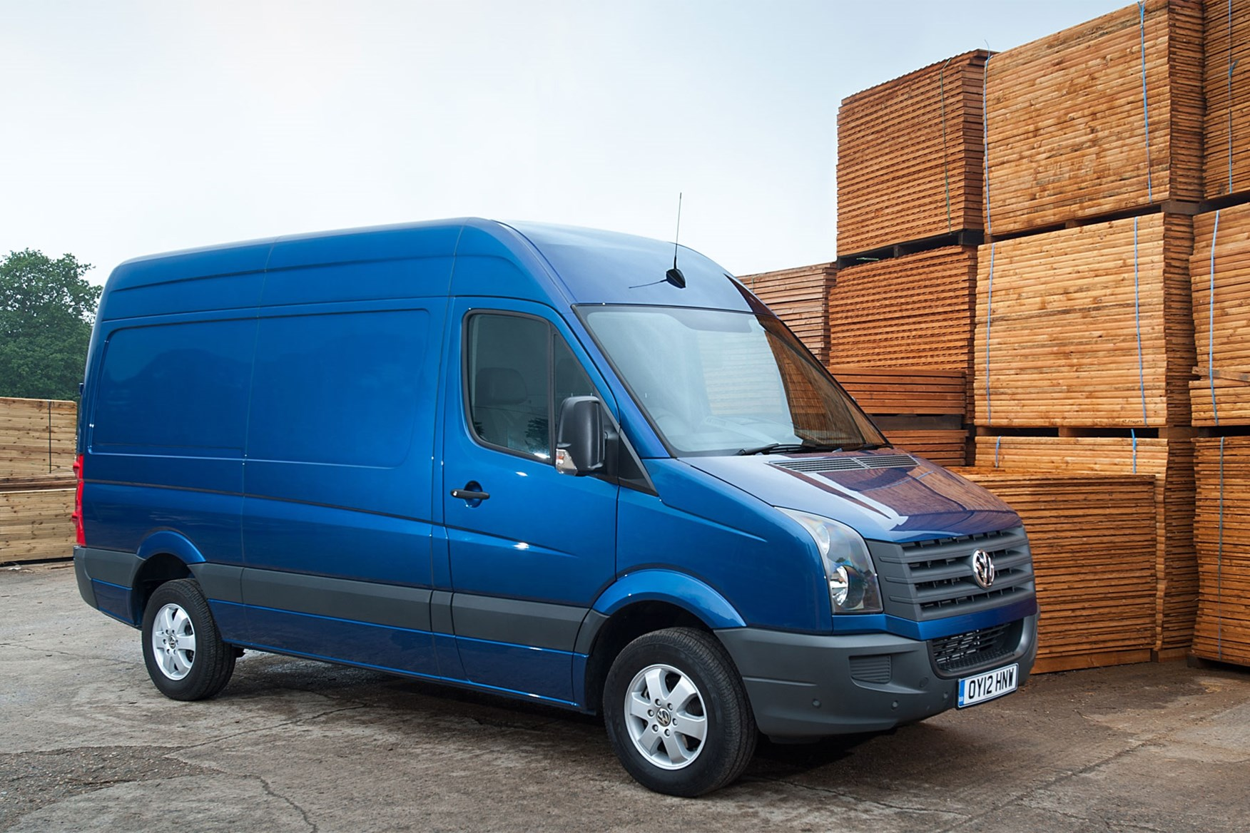 VW Crafter (2011-2016) front view