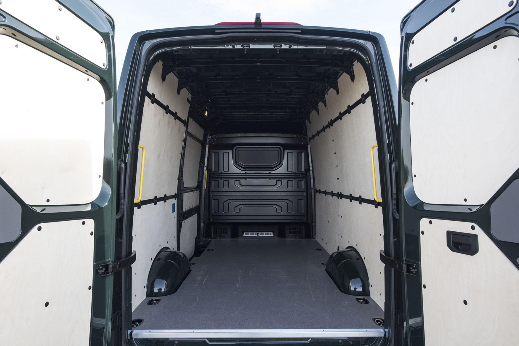 VW Crafter 4Motion review - load area