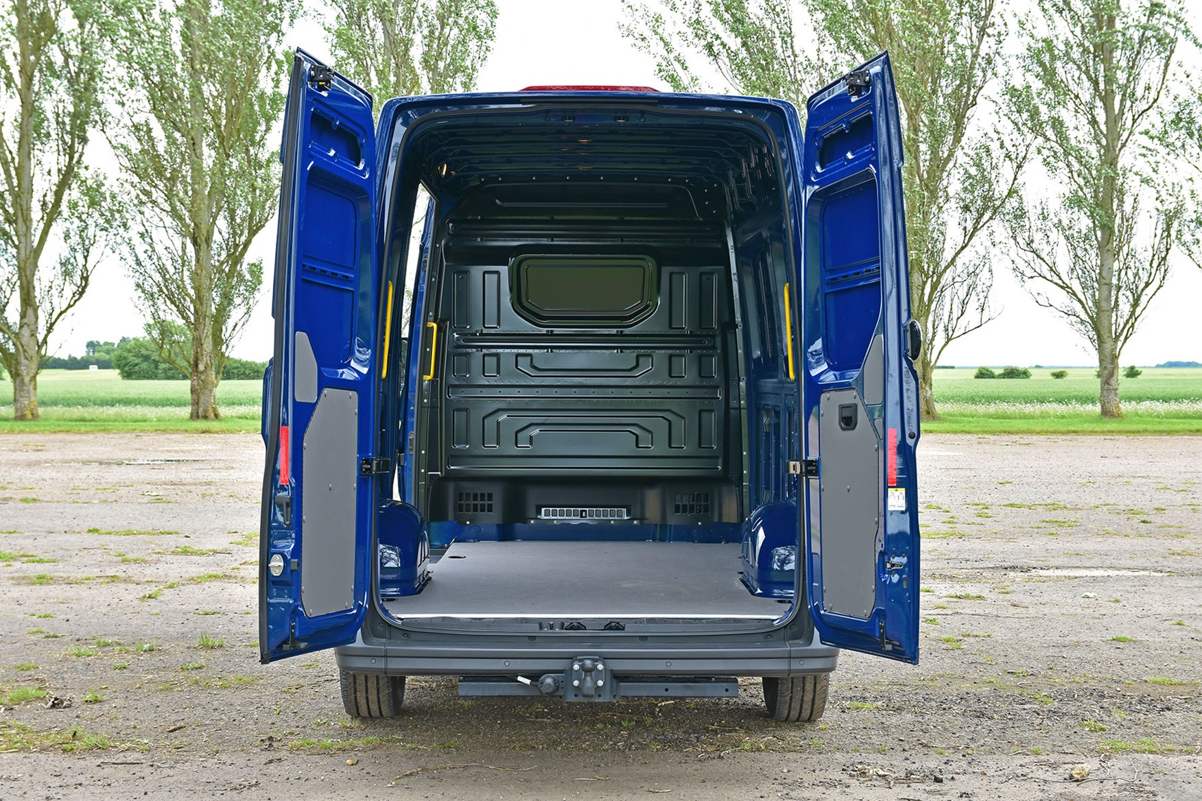 VW Crafter FWD review - load area