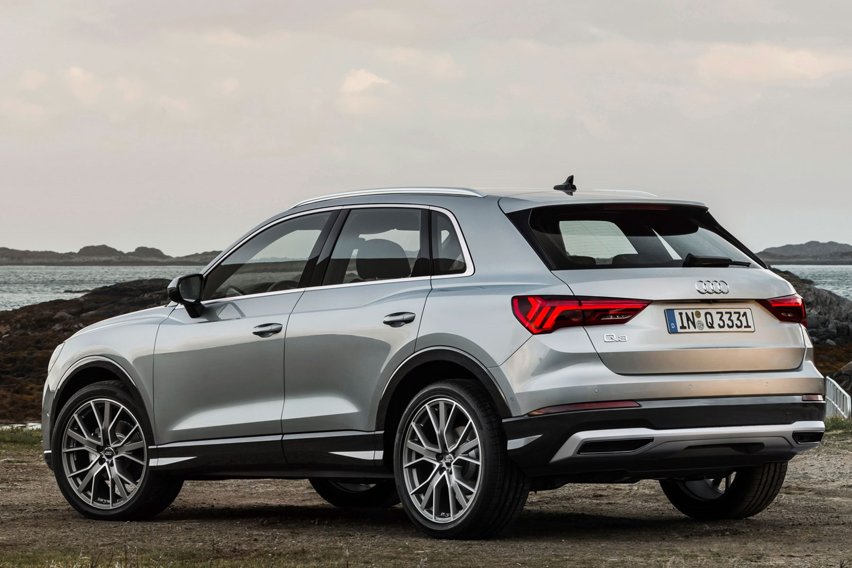 Audi Q3 is longer, wider and shorter than Mk1 Q3