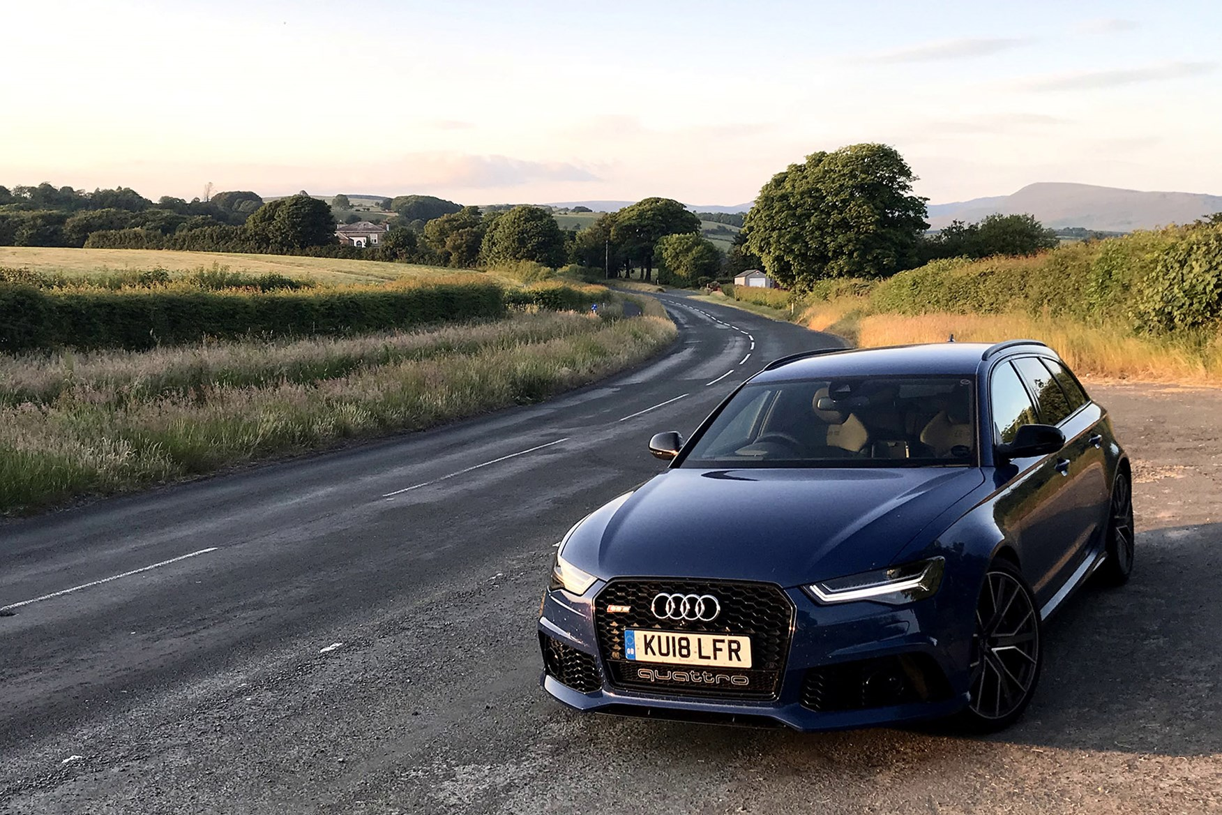 Audi RS6 Avant pauses for breath