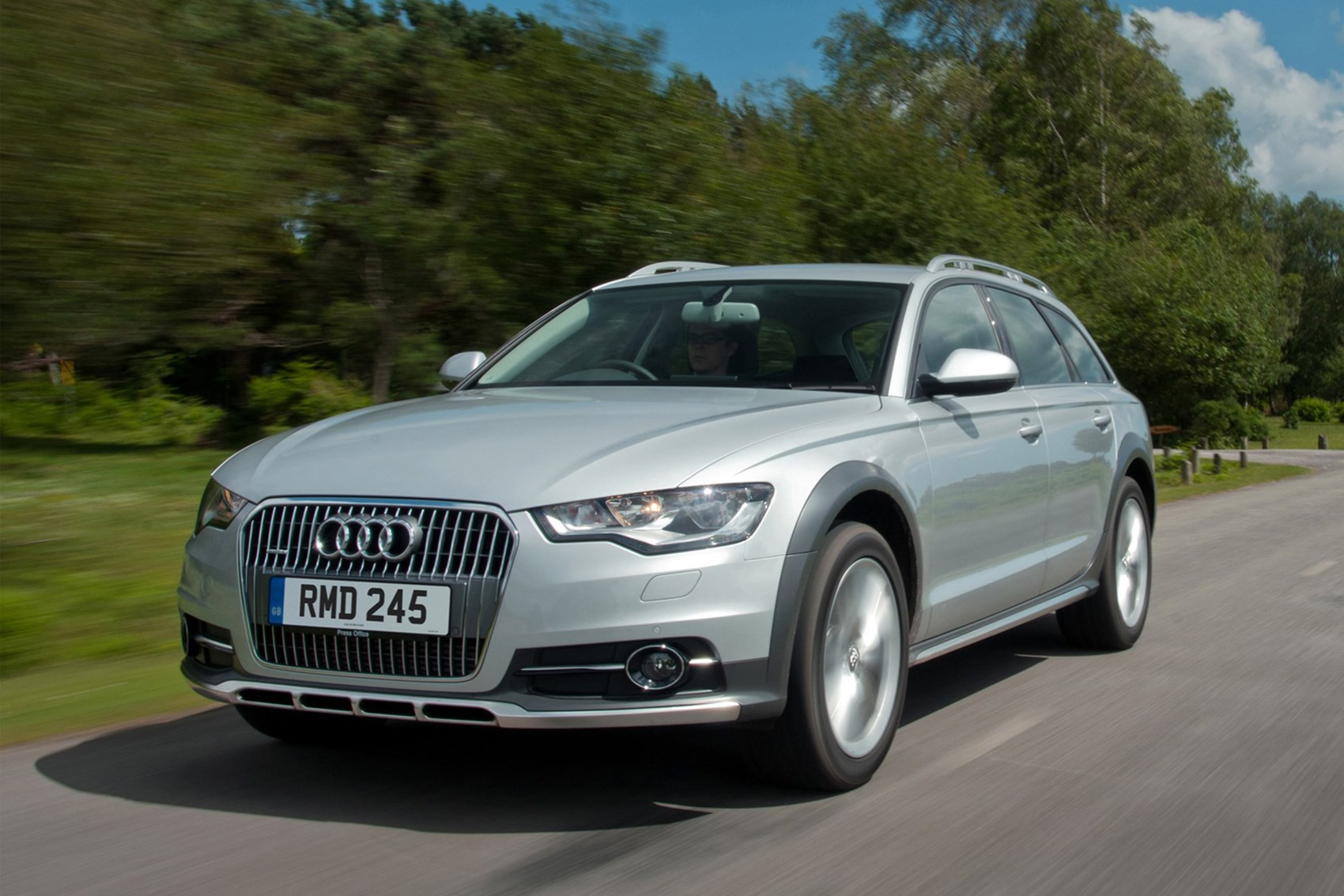 Audi A6 Allroad - best towing cars reviews