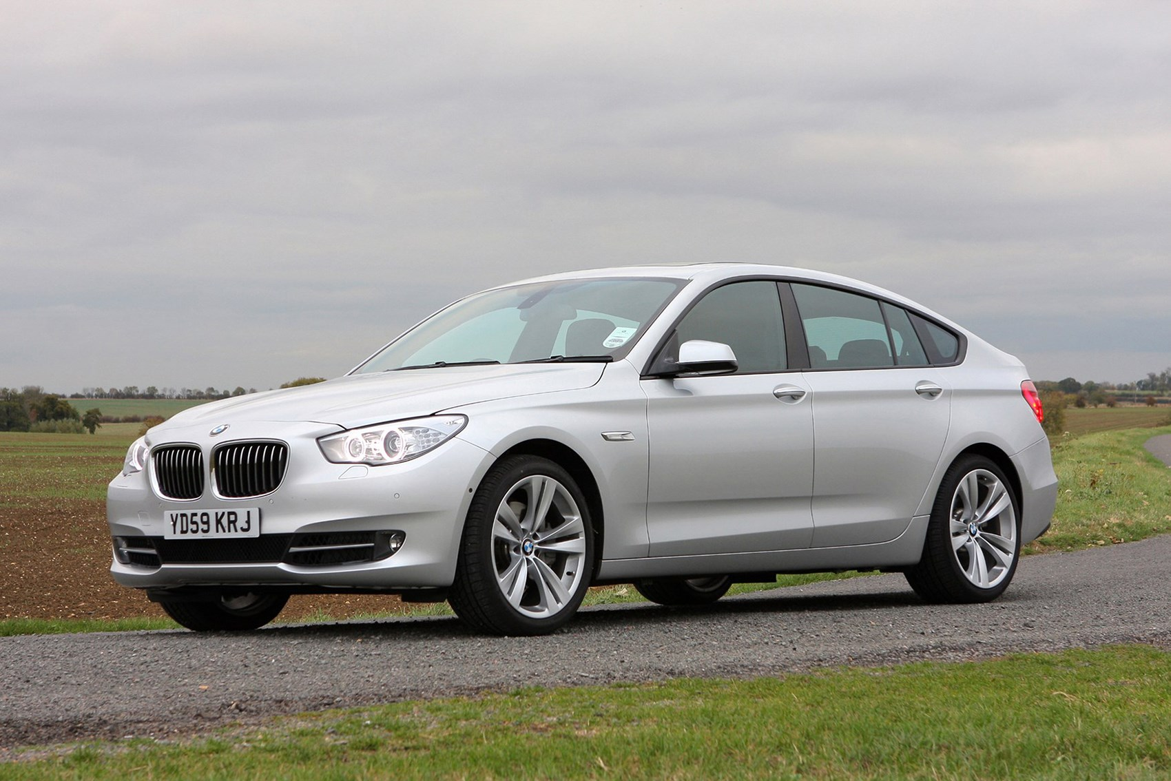 BMW 5 Series Gran Turismo - best towing cars reviews