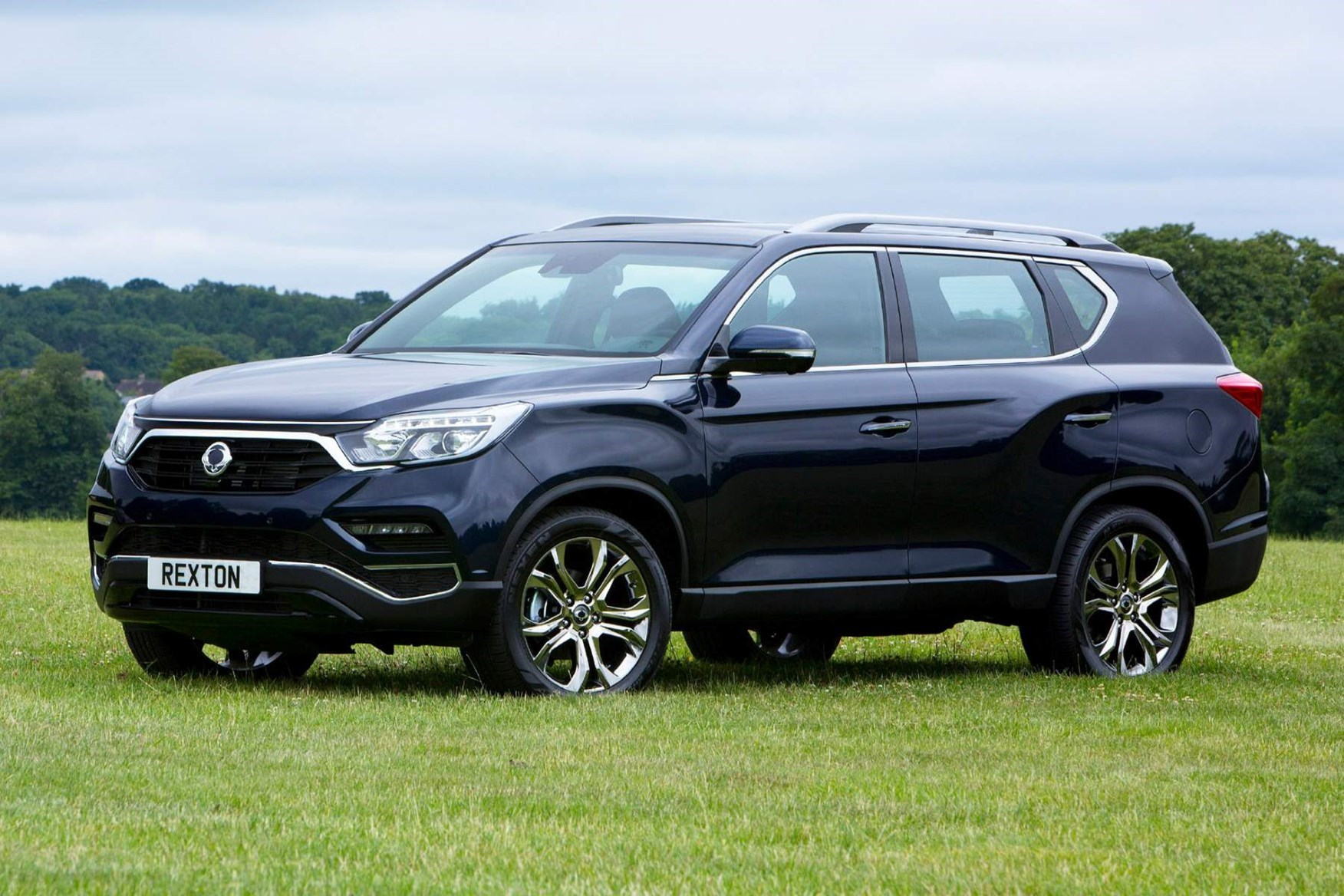 SsangYong Rexton - best towing cars reviews