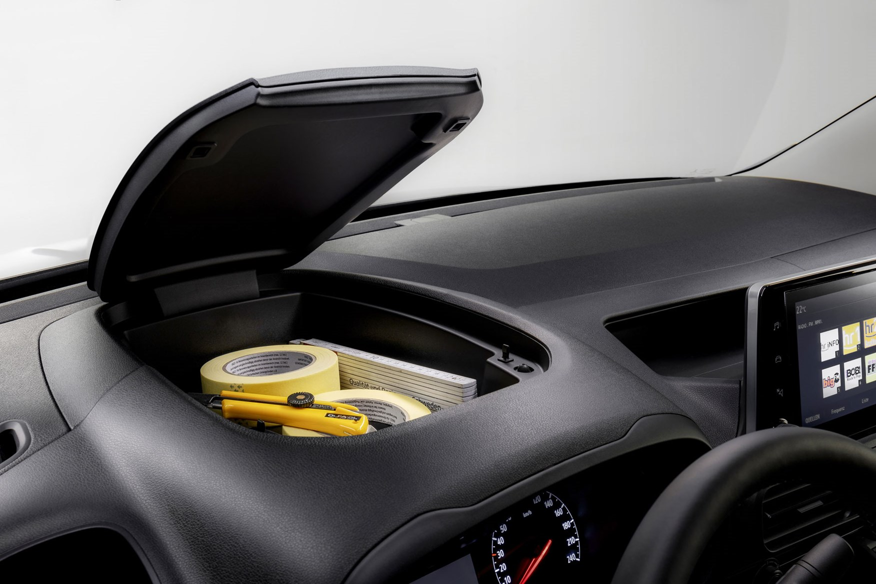 Vauxhall Combo 2019 review - dashtop storage bin with lid