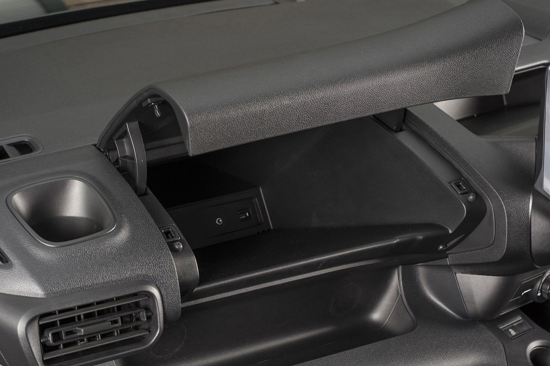 Vauxhall Combo 2019 review - glovebox with USB socket and aux-in connection
