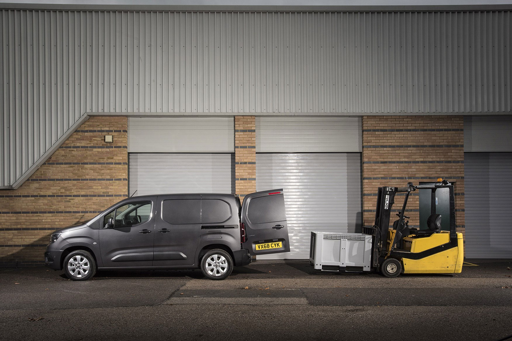 Vauxhall Combo 2019 review - being loaded