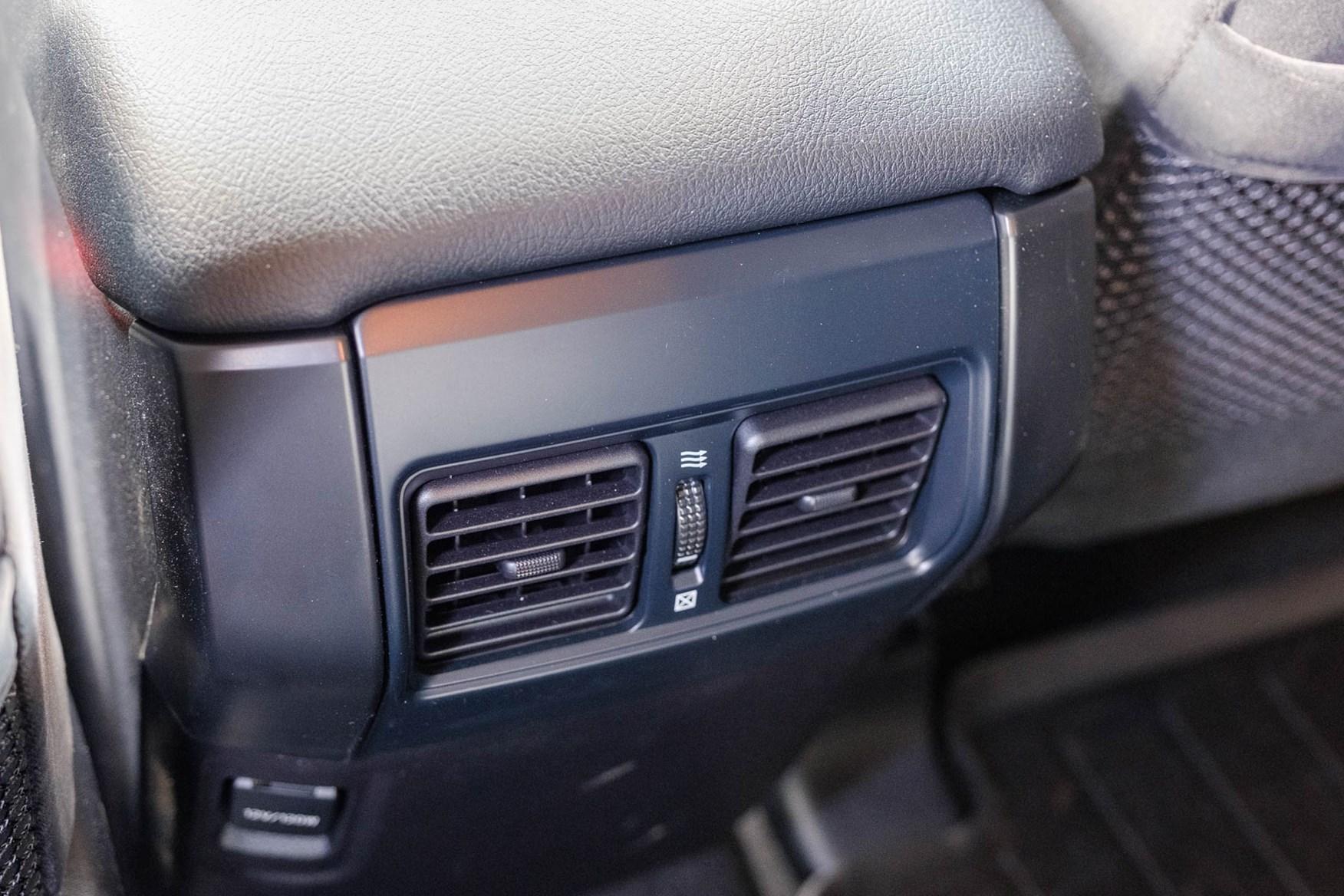 Toyota Land Cruiser Utility rear heating vents