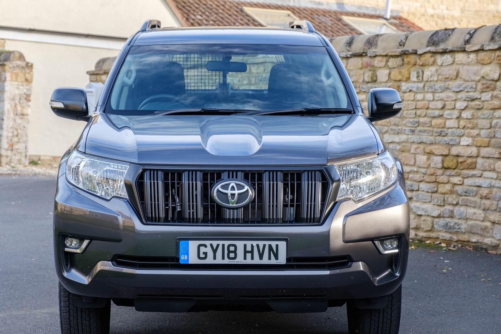 Toyota Land Cruiser Utility front