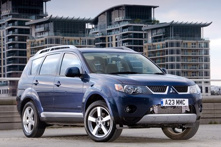Mitsubishi Outlander - all you need to know   Parkers