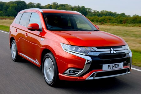 Mitsubishi Outlander - all you need to know | Parkers