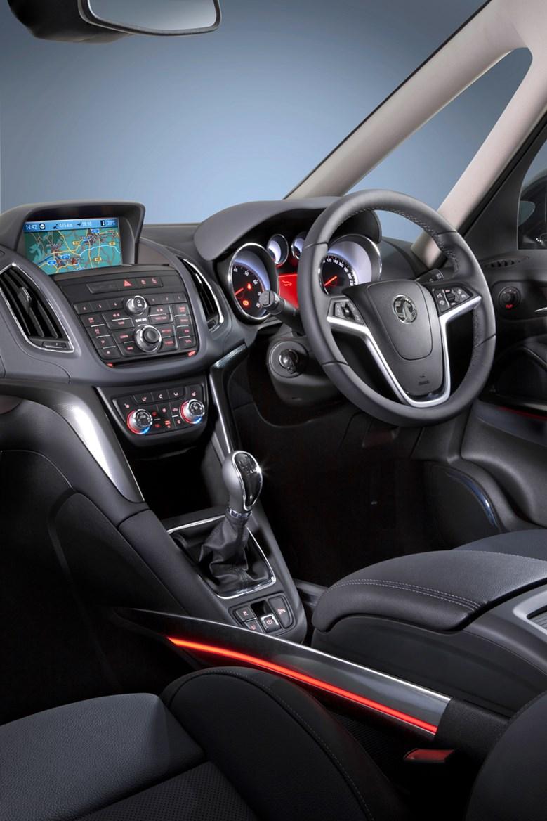 Vauxhall zafira tourer review 2012 parkers for Interior zafira tourer