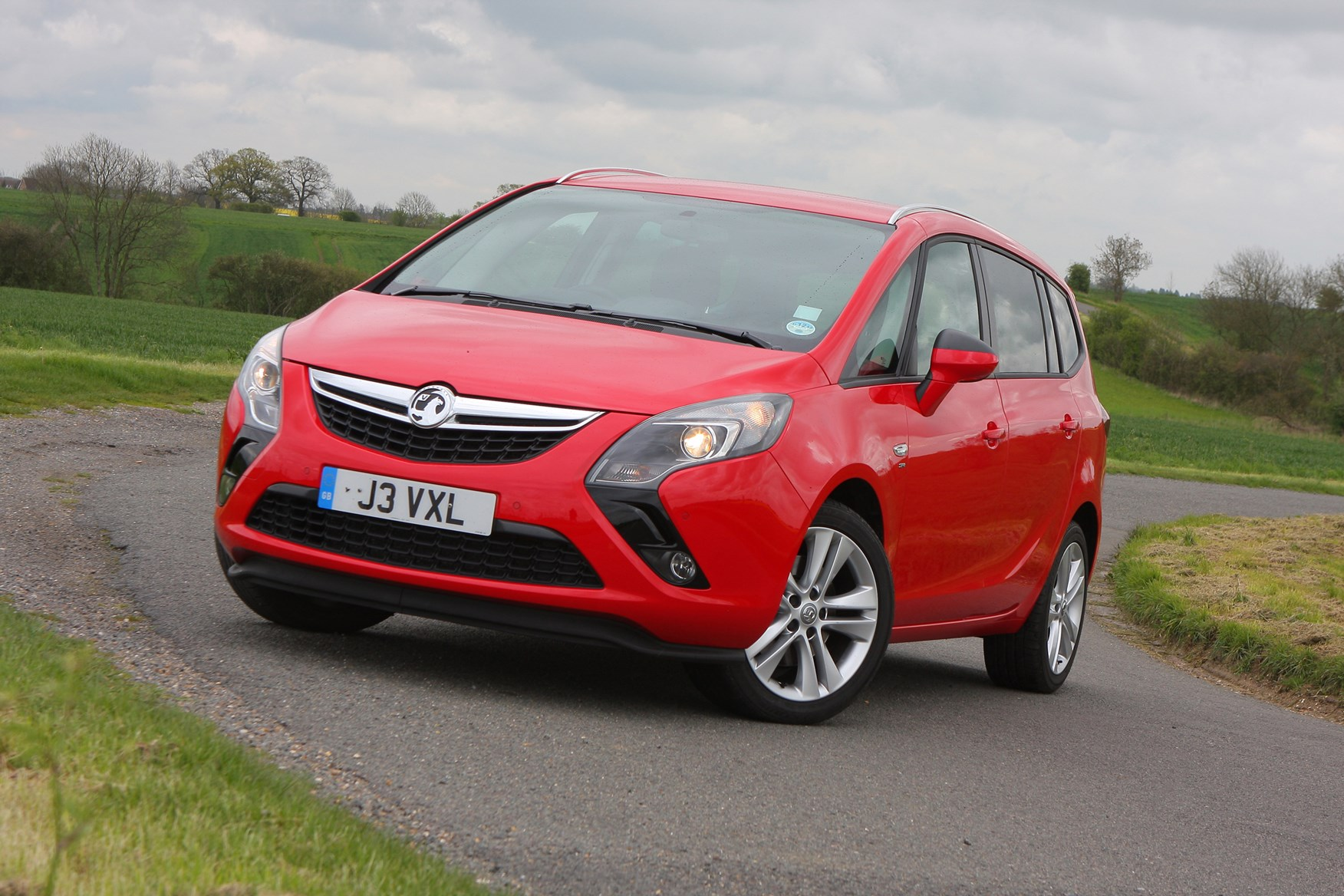 Vauxhall Zafira Tourer 2012 Features Equipment And Accessories