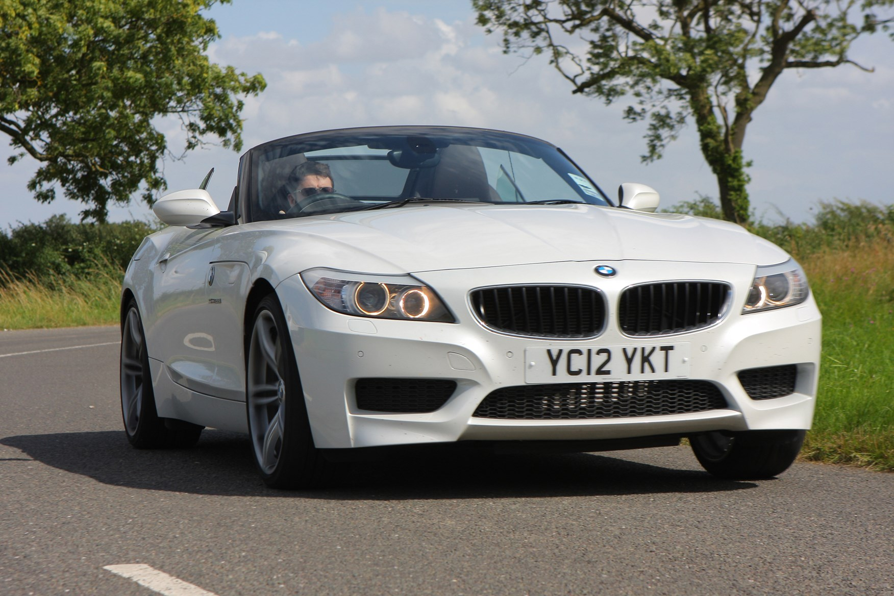 Bmw Z4 Roadster 2009 Features Equipment And