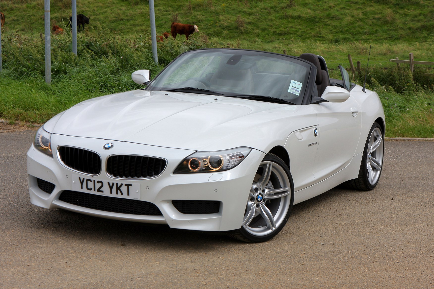 bmw z4 roadster review 2009 parkers. Black Bedroom Furniture Sets. Home Design Ideas