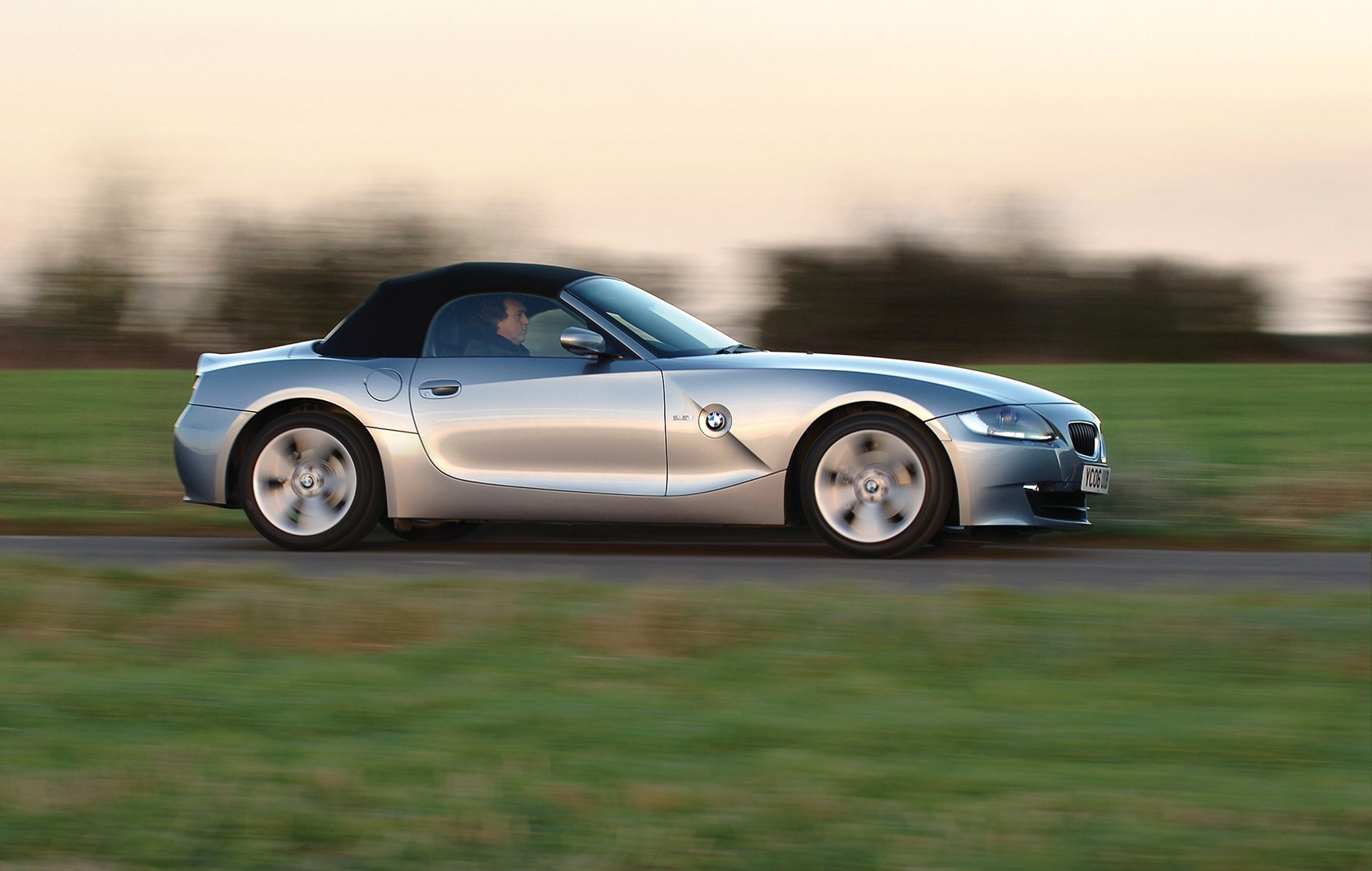 BMW Z4 Roadster Review (2003 - 2008) | Parkers