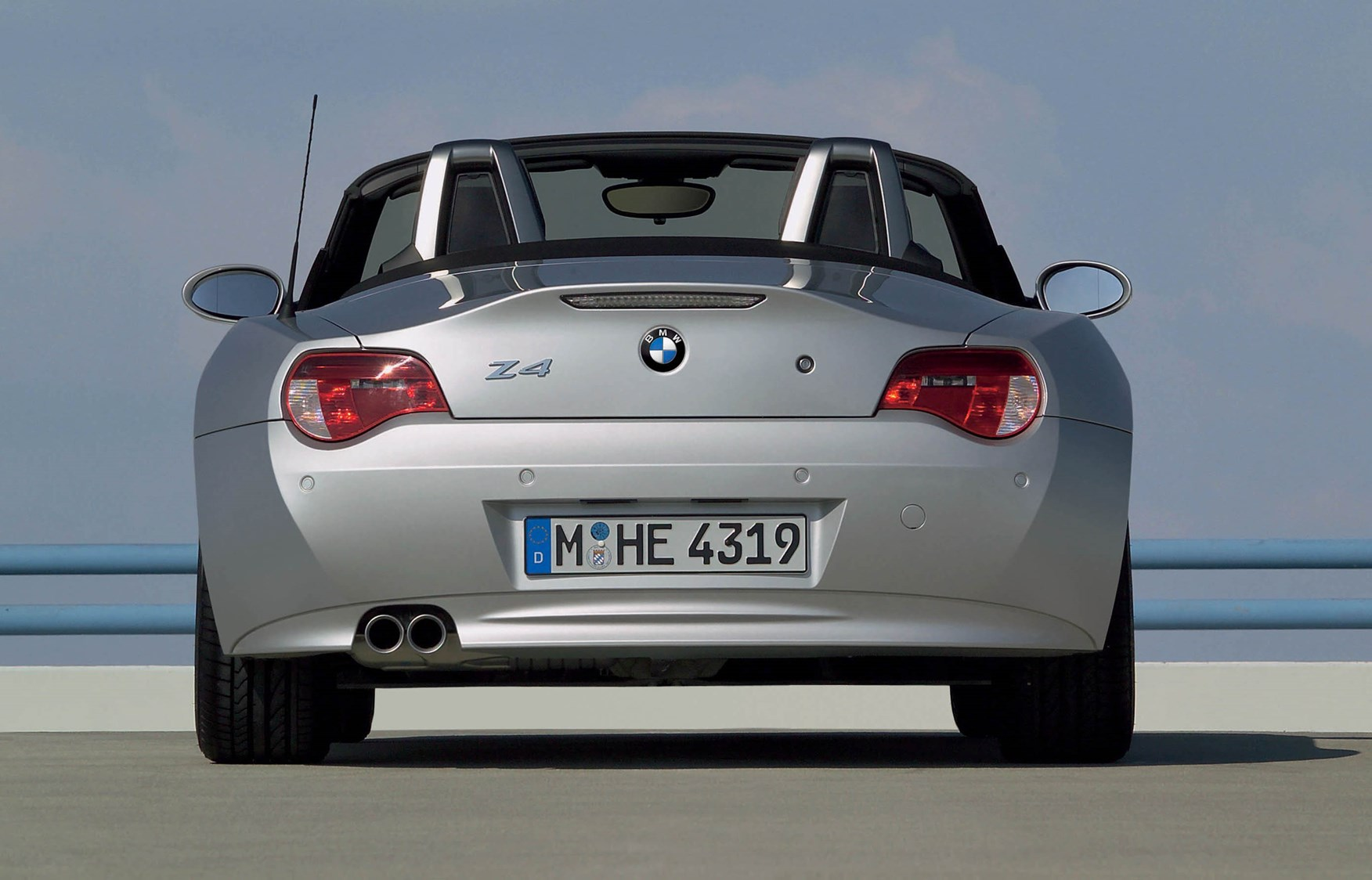 Bmw Z4 Roadster 2003 2008 Features Equipment And