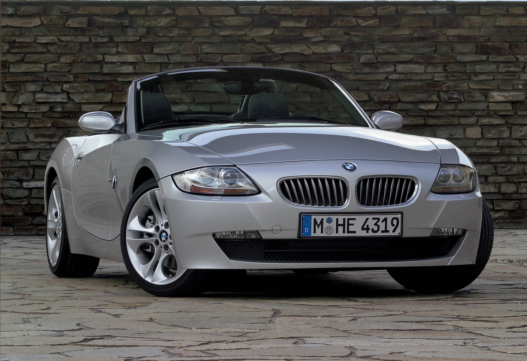 bmw z4 roadster review 2003 2008 parkers. Black Bedroom Furniture Sets. Home Design Ideas
