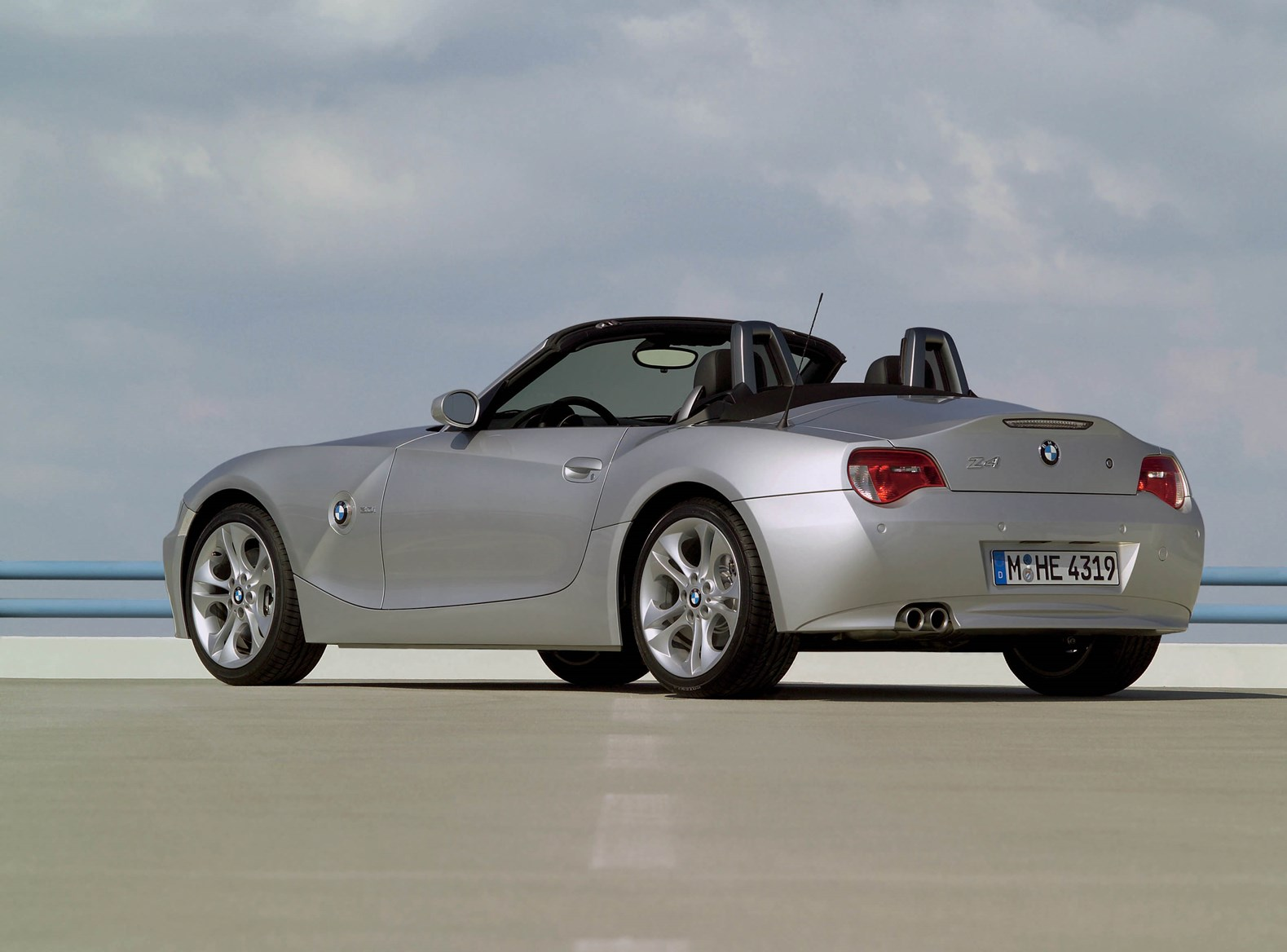 BMW Z4 Roadster (2003 - 2008) Features, Equipment and ...
