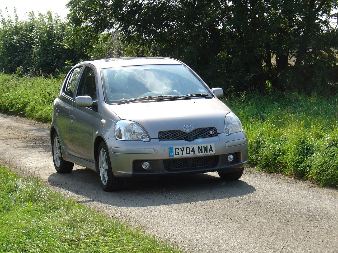 toyota yaris t sport review 2001   2005 parkers