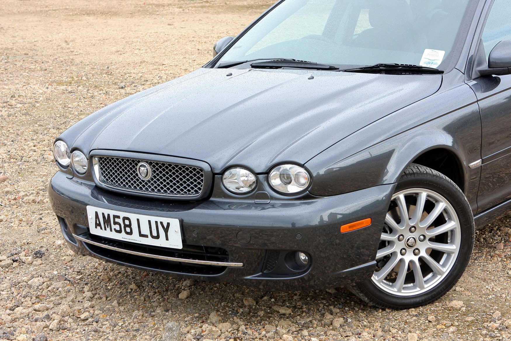 jaguar x type saloon review 2001 2010 parkers. Black Bedroom Furniture Sets. Home Design Ideas